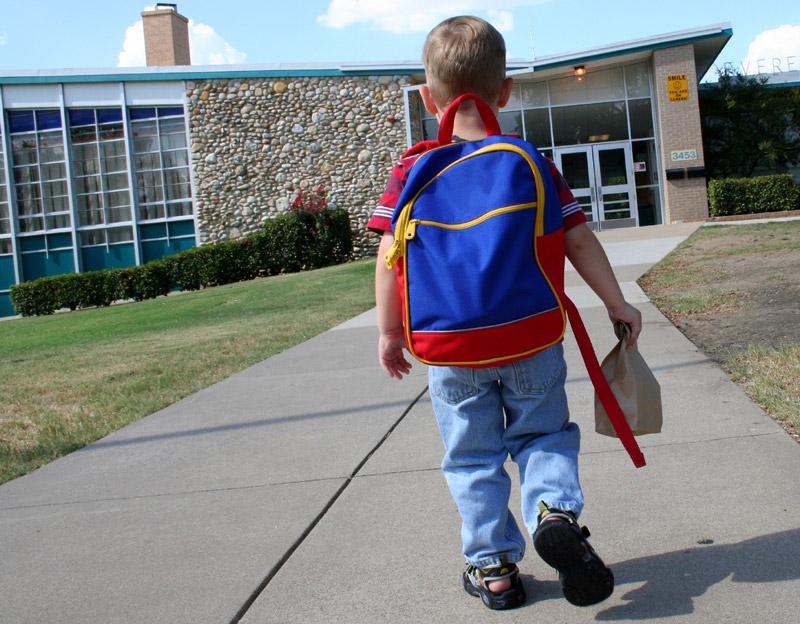 6ec6826401 Γιατί να επιλέξω μια επώνυμη σχολική τσάντα  – Blog για Παιδιά και ...