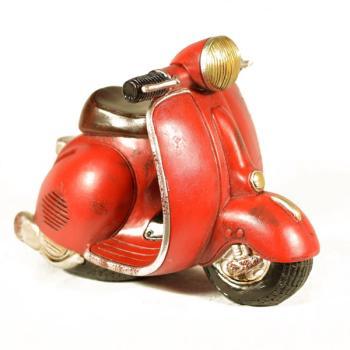 Διακοσμητικό Πολυεστερικό - Κουμπαράς Βέσπα κόκκινη 15.5 cm