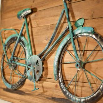 Vintage Κρεμαστό κάδρο πίνακας ξύλινος με μεταλλικό ποδήλατο  60.0 cm