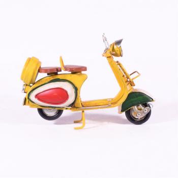 Vintage Διακοσμητικό μεταλλική μινιατούρα - Κίτρινη Βέσπα 19.0cm