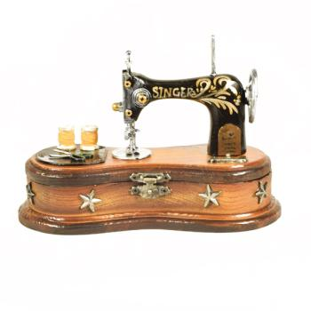 Vintage Διακοσμητικό Ραπτομηχανή με ραφάκι 17.5 cm