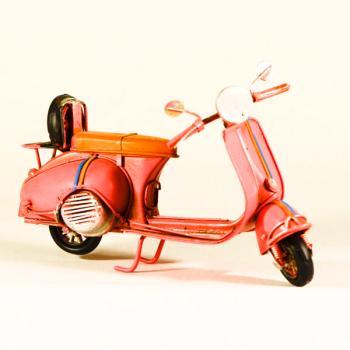 Vintage Διακοσμητικό μεταλλική μινιατούρα - Βέσπα Ροζ 16.0cm